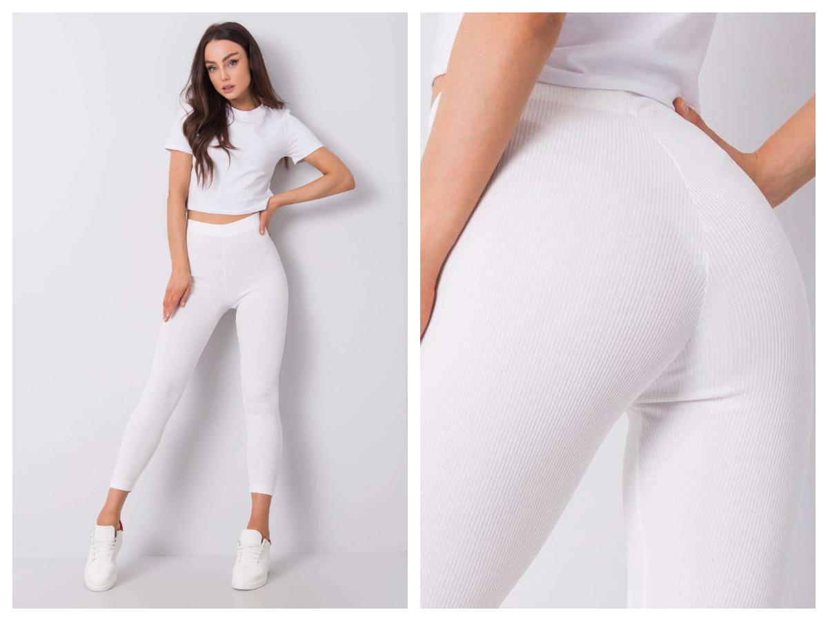 Prążkowane białe legginsy damskie długie