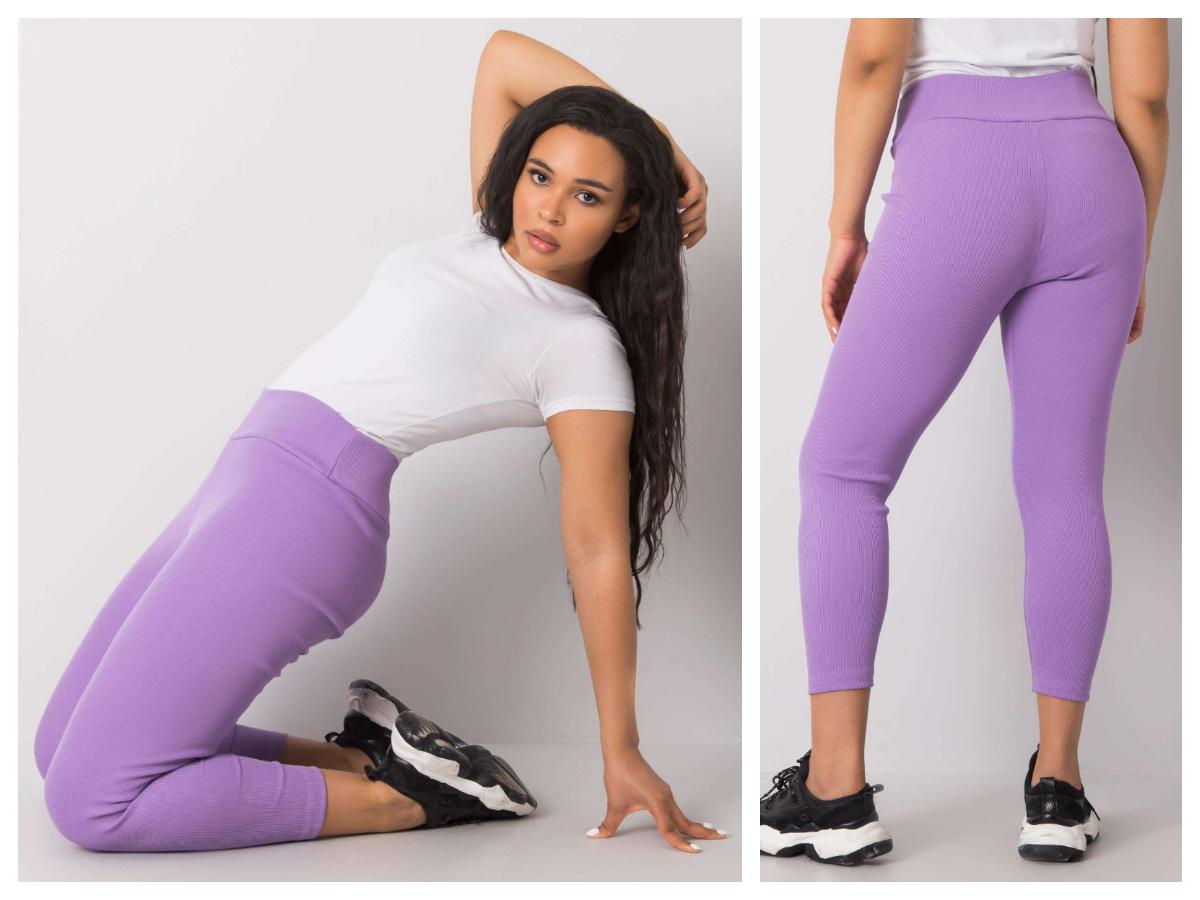 Prążkowane legginsy z wysokim stanem w kolorze fioletowym